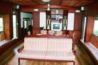 House boat 11